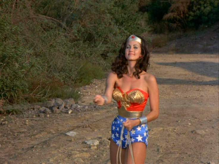 lynda-wonder-woman-16087433-1024-768
