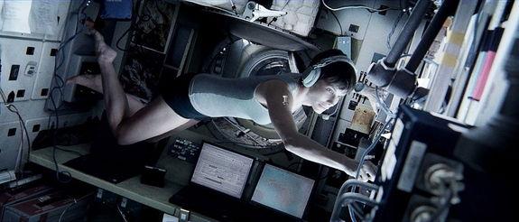 gravity-movie-bullock-astronaut